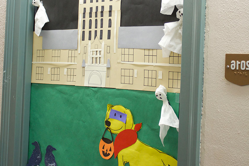 Hurricane Thursday halloween door decoration competition